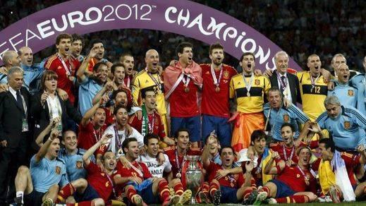 Francia y Rumanía abren la Eurocopa con La Roja a olvidar su petardazo 'mundial' y sumar su cuarto título