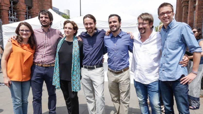 Un cartel plurinacional para el mitin de Unidos Podemos y En Comú Podem en Barcelona