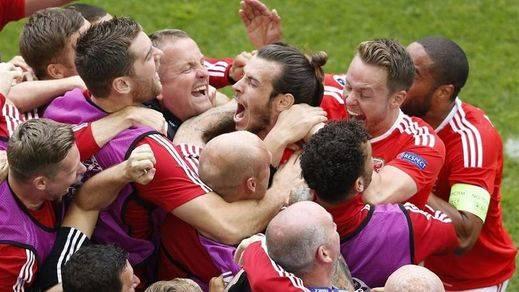 Gales se impone a Eslovaquia (2-1) y Suiza a Albania (0-1) en su estreno en la Eurocopa