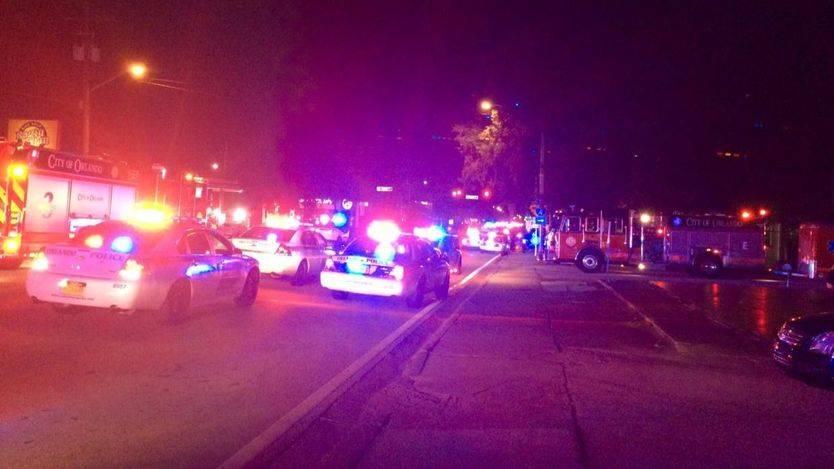 La Policía rodea el club donde se ha producido el tiroteo.