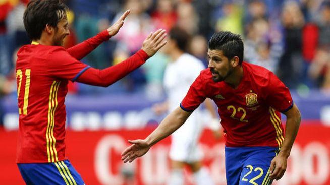 Eurocopa: la Roja debuta intentando centrarse sólo en el fútbol y confirmar su favoritismo ante la República Checa
