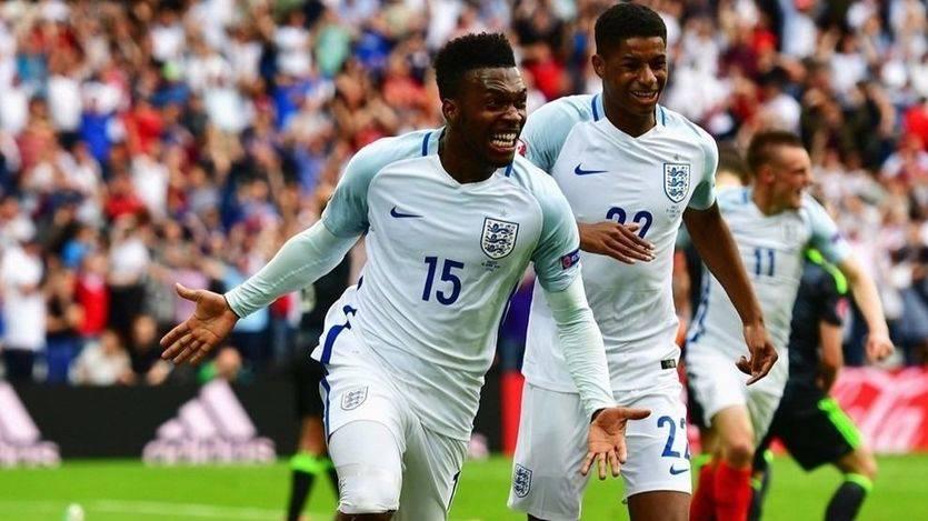 Los ingleses celebran el gol de la victoria