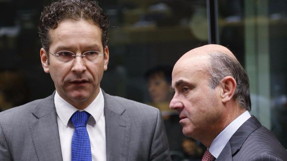 Los Veintiocho retrasan la decisión sobre el déficit en España a julio, justo en plenas negociaciones poselectorales
