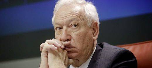 Margallo compara el voto a En Comú Podem con el de Adolf Hitler