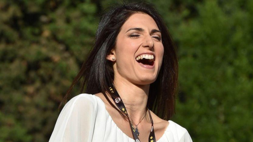 Italia se suma a las 'alcaldesas del cambio' en Roma y Turín con Virginia Raggi y Chiara Appendino