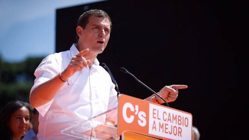 Rivera denuncia amenazas de muerte por explicar la dificultad de hablar castellano en Cataluña