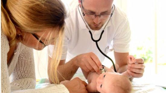 Los pediatras cargan contra la 'deficiente atención' de las consultas infantiles y reclaman medidas urgentes para mejorarla