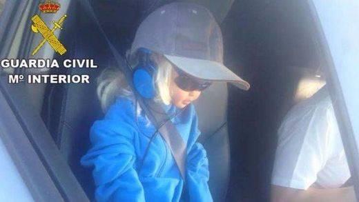 No coló: multa a la muñeca copiloto que circulaba por el BUS-VAO de la A-6