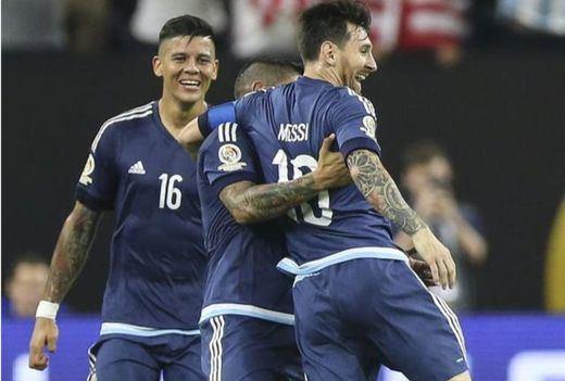 Copa América: Messi lleva a Argentina a la finalísima tras golear a EEUU (4-0)