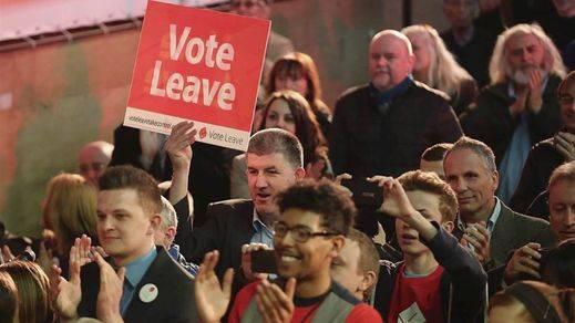 Reino Unido ya vota en el histórico referéndum del 'Brexit' con empate total entre el 'sí y el 'no' a la permanencia en la UE