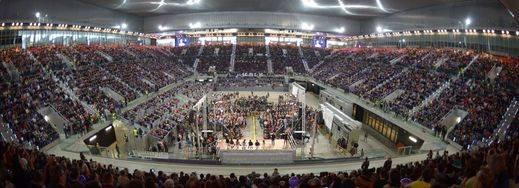 Podemos logra reunir a más de 11.000 personas en la Caja Mágica