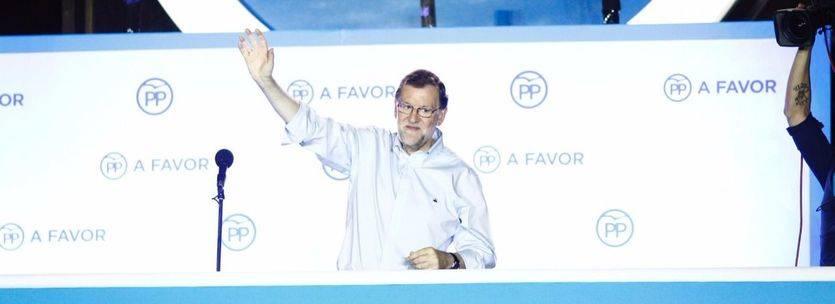 Rajoy buscará una 'fórmula de gobierno con mayoría' con el PSOE, pero no descarta intentarlo también con C's, PNV y CC