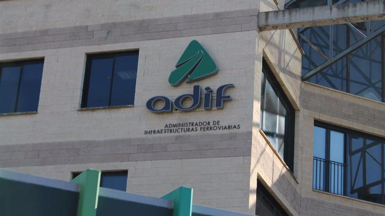 Operación de la Guardia Civil en las oficinas de ADIF en Barcelona y Madrid: 14 detenidos