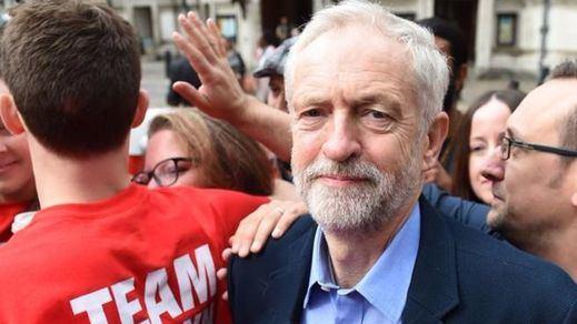 El líder laborista, Jeremy Corbyn, pierde la moción de confianza por el Brexit