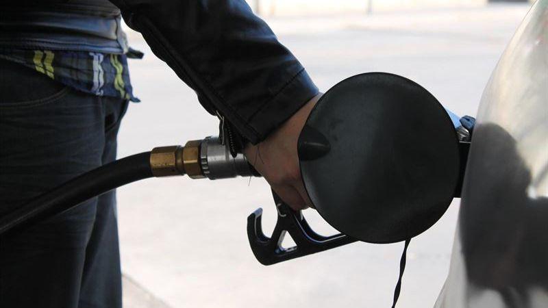 Los precios al fin mejoran: el IPC interanual sube 2 décimas en junio, hasta el -0,8%, por la luz y la gasolina