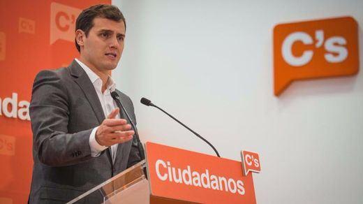 El aparato de Ciudadanos cierra filas con Rivera para mantener el rechazo a Rajoy