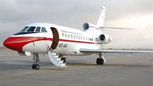 Defensa se resiste a publicar los pasajeros de los aviones oficiales: ¿quién viaja con el Rey y Rajoy?