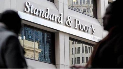 S&P baja el rating a la UE