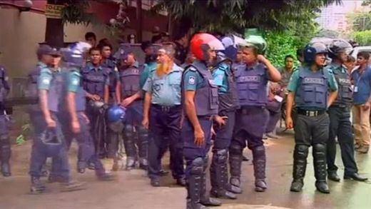 26 muertos en el ataque de EI en Dacca junto a un restaurante de comida española