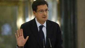 Óscar López desautoriza a los barones que reclaman la abstención del PSOE y la cabeza de Sánchez