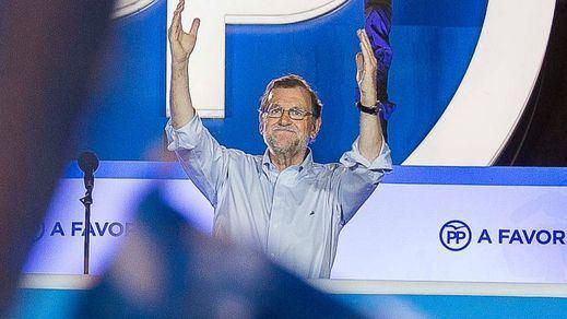 Las armas de Rajoy para 'seducir' al PSOE y lograr la investidura