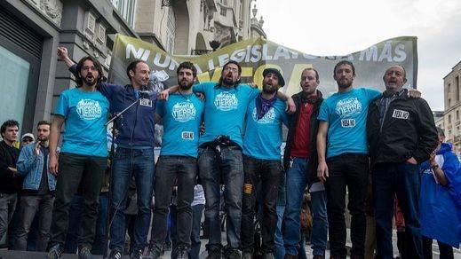 Los '8 de Yesa' esquivan la cárcel y recurrirán la multa por resistencia a la autoridad