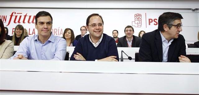 Sánchez compromete al PSOE 'a liderar la oposición' y culpa a Pablo Iglesias