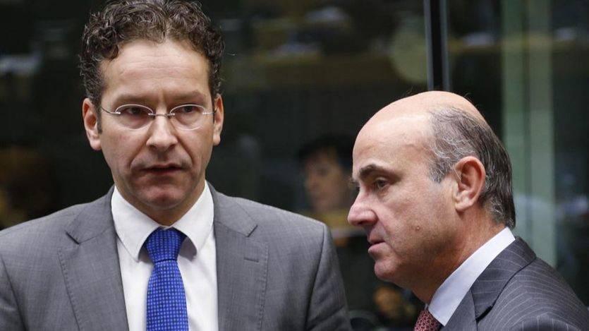 De Guindos insiste en que no, pero el Eurogrupo apoya e inicia el proceso sancionador contra España por el déficit