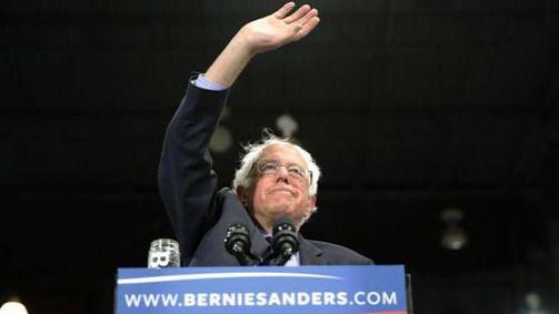 Sanders tira la toalla: se aparta de las primarias y apoyará a Clinton en las presidenciales