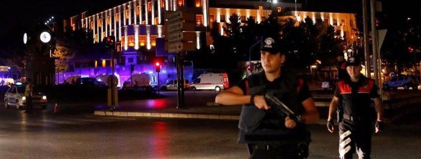 Golpe de Estado en Turquía: un grupo militares sublevados asegura haber controlado el país