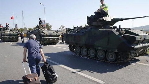 Ya son más de 6.000 los detenidos en Turquía y el Gobierno advierte que la cifra aumentará