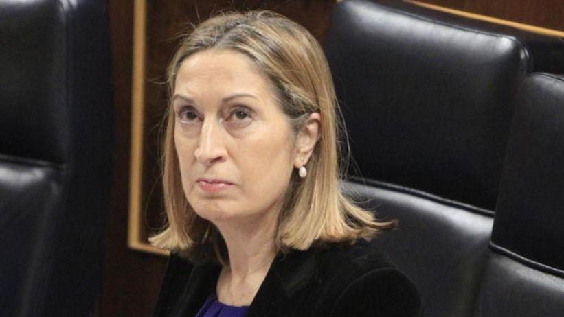 Rajoy propone a su fiel Ana Pastor como presidenta del Congreso
