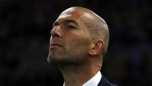 Zidane le pone la alfombra a Pogba y le indica la puerta de salida a James y Jesé