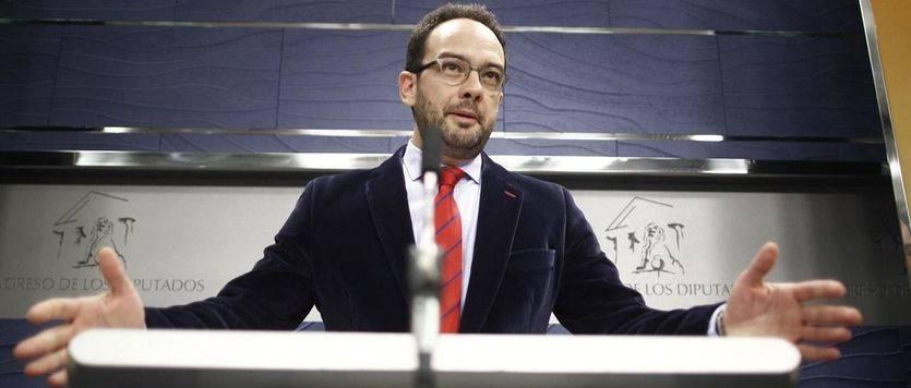 El PSOE pregunta al PP 'qué ha pactado con los nacionalistas e independentistas' para que le hayan prestado 10 votos
