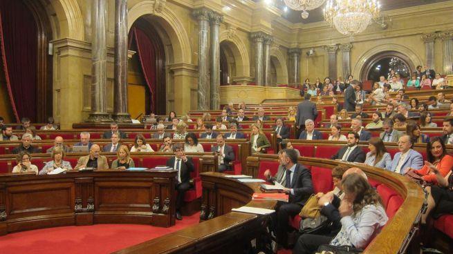 El Parlament catal�n aplaza el proceso soberanista coincidiendo con el apoyo al PP en el Congreso