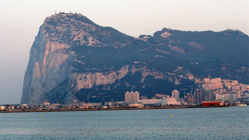 Un submarino nuclear británico colisiona con un buque en Gibraltar