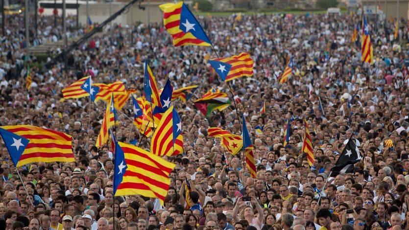 El independentismo pierde fuelle en Cataluña ante el 'subidón' de 'Podemos'