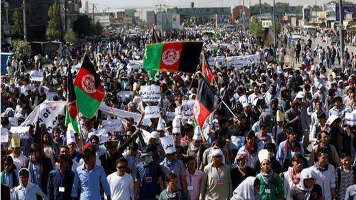 Donde sí golpea Estado Islámico es en Afganistán: 80 muertos en otro atentado contra la minoría hazara