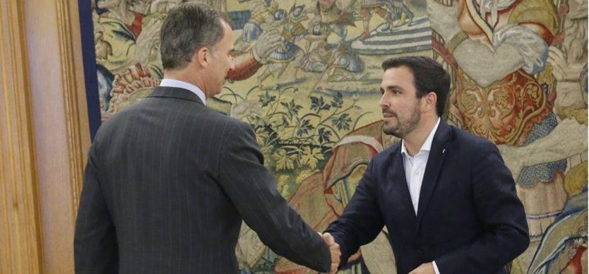 Garzón resucita la alternativa a un Gobierno del PP y se ofrece al PSOE como mediador