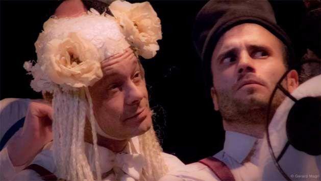 'Clásicas envidiosas', parodia a Shakespeare