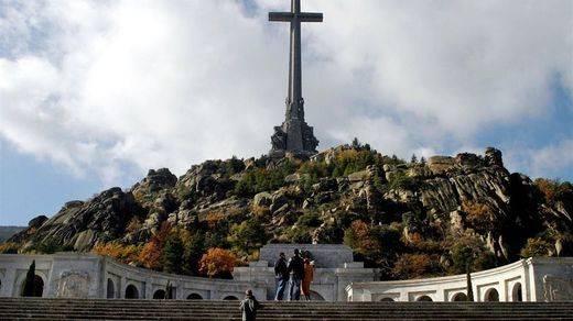 El juez Garzón pide al Supremo sacar el cuerpo de Franco del Valle de los Caídos