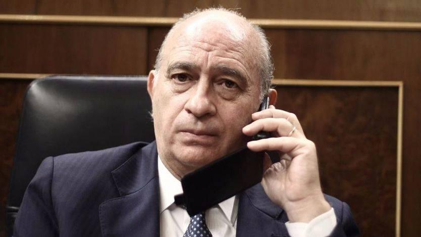 Se tensa aún más la cuerda negociadora: Ciudadanos y PSOE exigen a Fernández Díaz explicaciones por el 'complot' filtrado