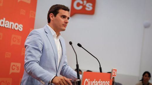 > Rivera no espera a su reunión con Rajoy: le pide ya que se someta a la investidura en agosto