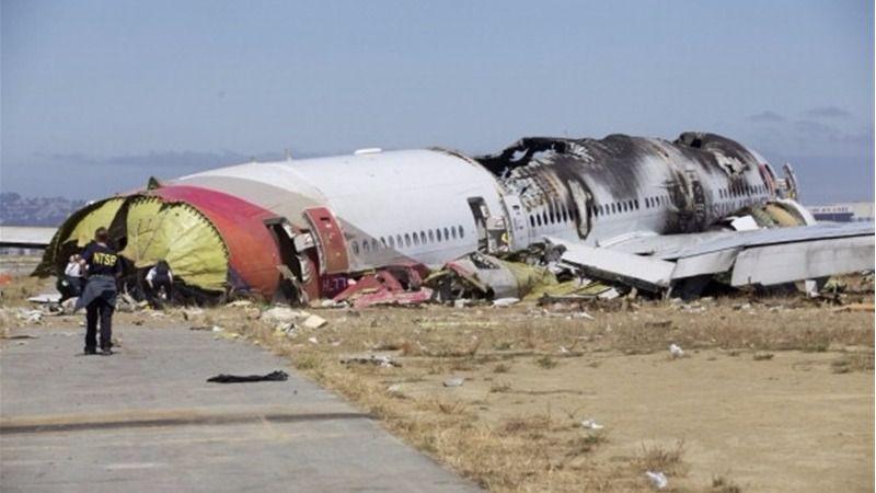Incendiado un avión de Emirates en Dubai al aterrizar de emergencia: no hay víctimas mortales