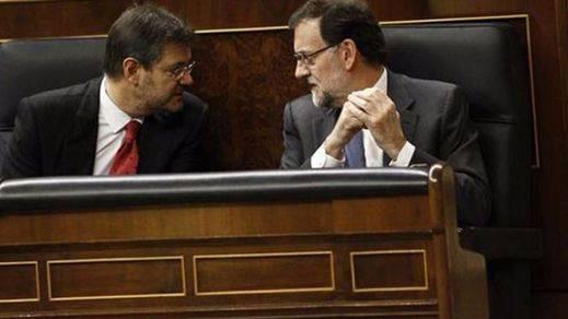 Justicia echa una mano jurídica a Rajoy: el ministro Catalá ve constitucional que el presidente renuncie a la investidura