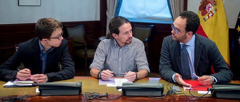 Errejón admite conversaciones con el PSOE sobre la posibilidad de que Rajoy fracase