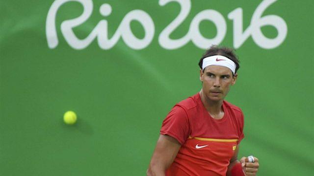 Nadal despeja dudas y debuta en Río con victorias en individuales y en dobles