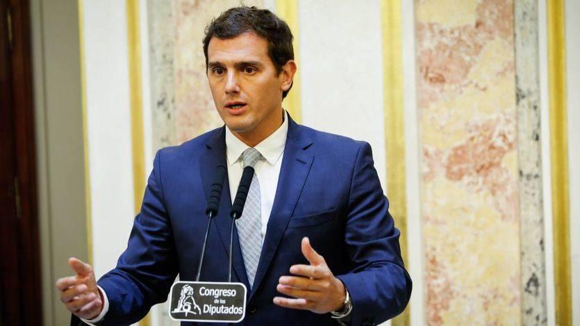 Rivera da su brazo a torcer, a medias: pone 6 condiciones previas para negociar un 'sí' a Rajoy