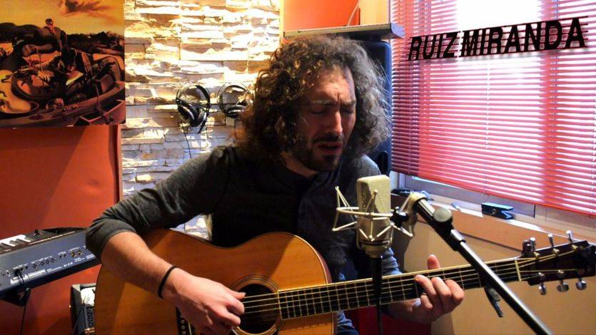 'Mírame', nos recomienda Ruiz Miranda con un disco pleno del mejor pop en música y letras