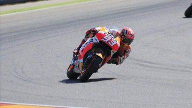Marc Márquez se lesiona el hombro izquierdo tras caer en los entrenamientos libres del GP de Austria
